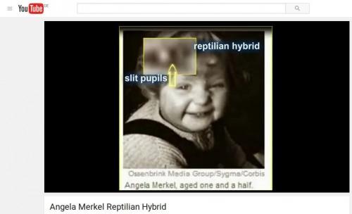 Bei Youtube findet man Videos, die auf Kinderfotos Angela Merkel das sogenannte Shape Shifting suchen, also etwa Anzeichen einer reptiloiden Pupillenform.